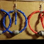 copia di collane rossa e blu